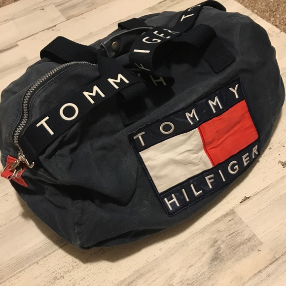 92b6d352fc Vintage Tommy Hilfiger Duffle bag Big Flag. M 5b3804f745c8b313857e875a